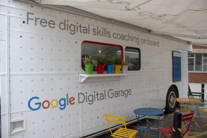 digital bus s university - 420×280